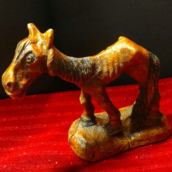 Handcrafted and carved wooden horse / donkey? OLD!